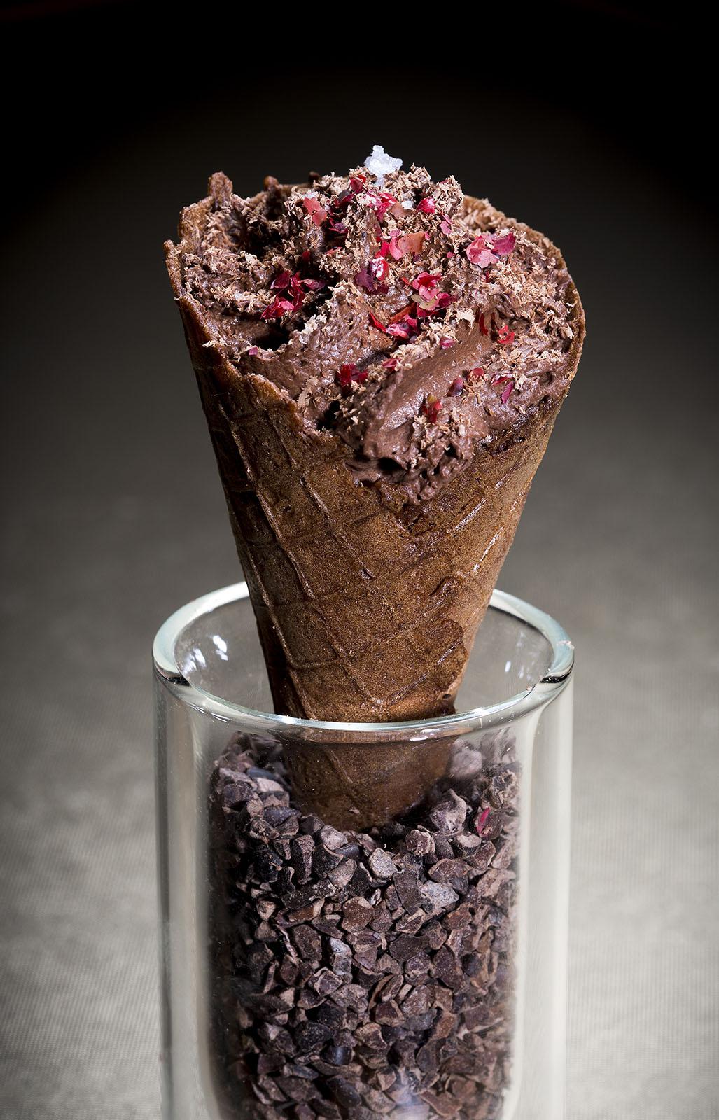 20 Mini Bar - Cone de chocolate em 3 texturas © Paulo Barata