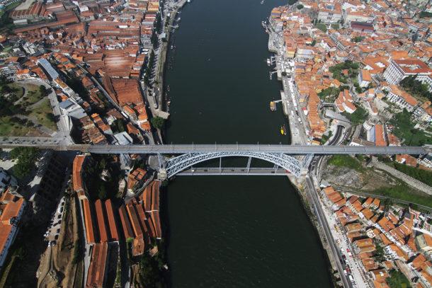 Nazareth Oh Porto Collection A Cidade na ponta dos dedos de Sancha Trindade1