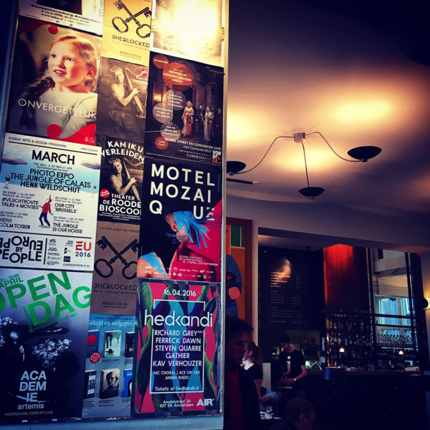 6 Cafe De Jaren