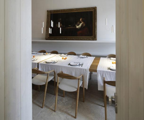 mesa-santa-clara-1728-aires-mateus-silent-living-a-cidade-na-ponta-dos-dedos-sancha-trindade8